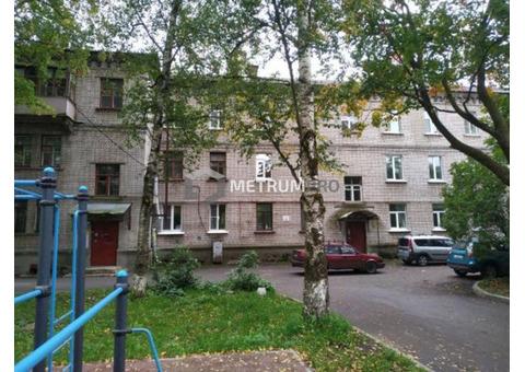Продаётся трёхкомнатная просторная квартира с новым ремонтом