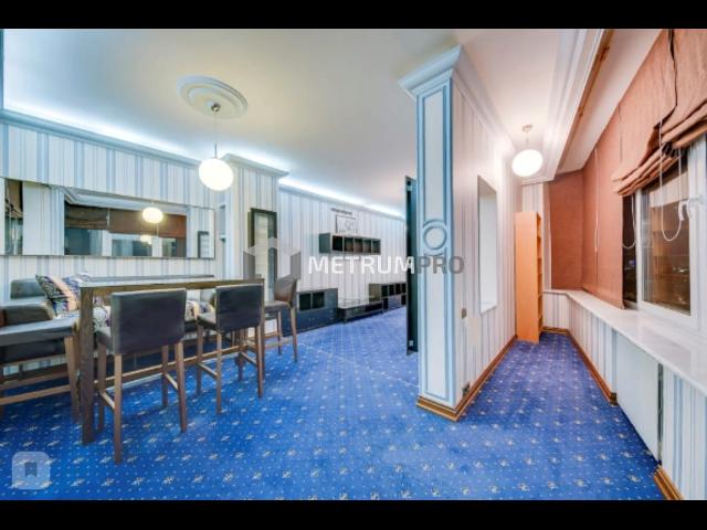 Продам 6-комн. квартиру 350 кв.м., Москва